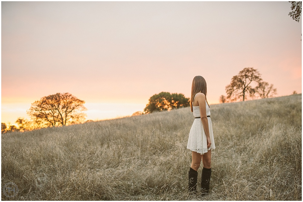 iyshie, kazeil, elk grove, folsom, northern california, norcal, lake, portraits, senior, 18, eighteen, sunset, field, sacramento, roseville, granite bay, tommy huynh, nikon,